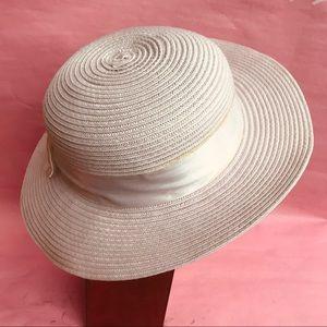 Vintage white hat
